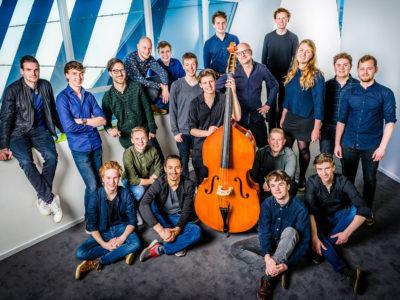 NJJO Nationaal Jeugd Jazz Orkest groepsfoto big band Jazz Anton Goudsmit